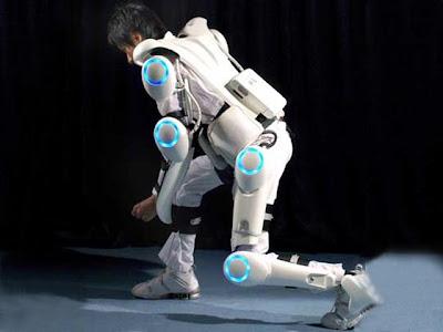 หุ่นยนต์ ที่คุณสามารถสวมใส่ได้ ( Robot Suit )