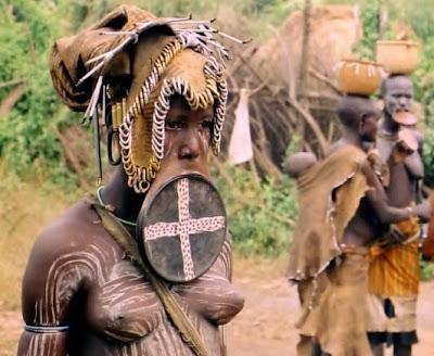 ชนเผ่า ที่ ปากห้อยที่สุดในโลก