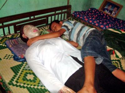 นอน กับ ศพ