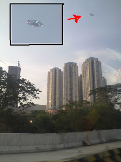 Gambar Video UFO Melintasi Langit Jakarta 2009