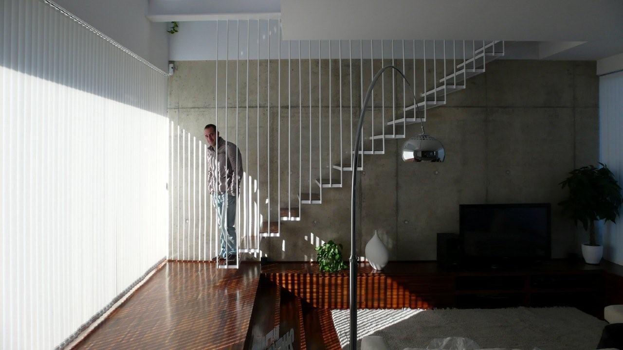 sta es la primera escalera que hice con el sistema de redondos de cuelgue es para la casa de mis padres y tuve que tener mucho cuidado al disearla ya que