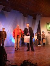 Carlos O. Antognazzi, escritor  santafecino me entrego el premio