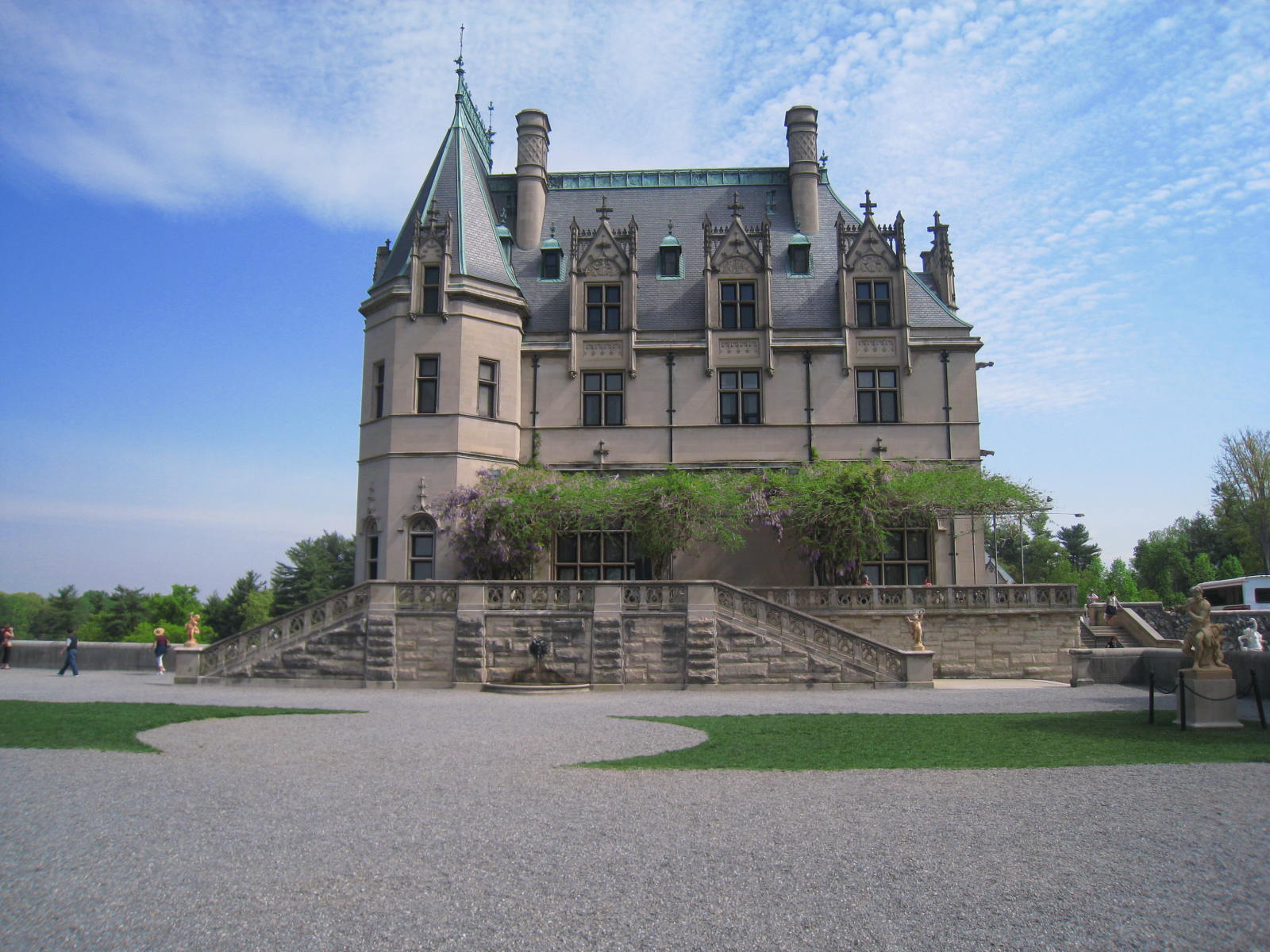 In addition to being the largest house in America, Biltmore House in Asheville, North Carolina is also a treasure trove of priceless works of art, artifacts from around the world and exquisite furnishings.