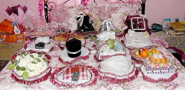 Wedding Gifts Ideas Indian Bride : ... Si Fakir: Malays Traditional Engagement and Wedding Ceremonies
