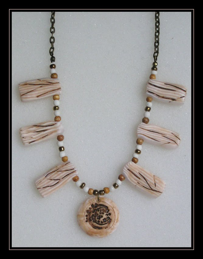 Faux Bone Necklace (Art.2.18)