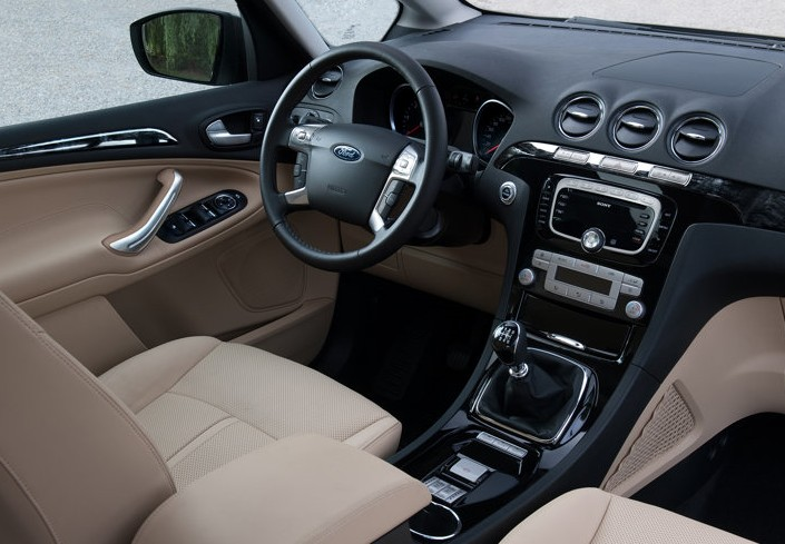 2011 Ford Galaxy interior