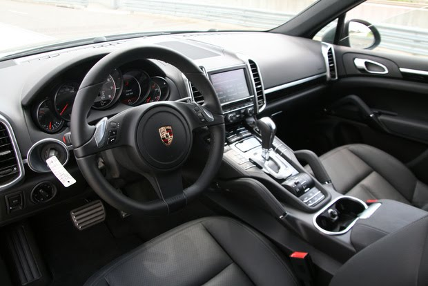 2011 New Porsche Cayenne Interior