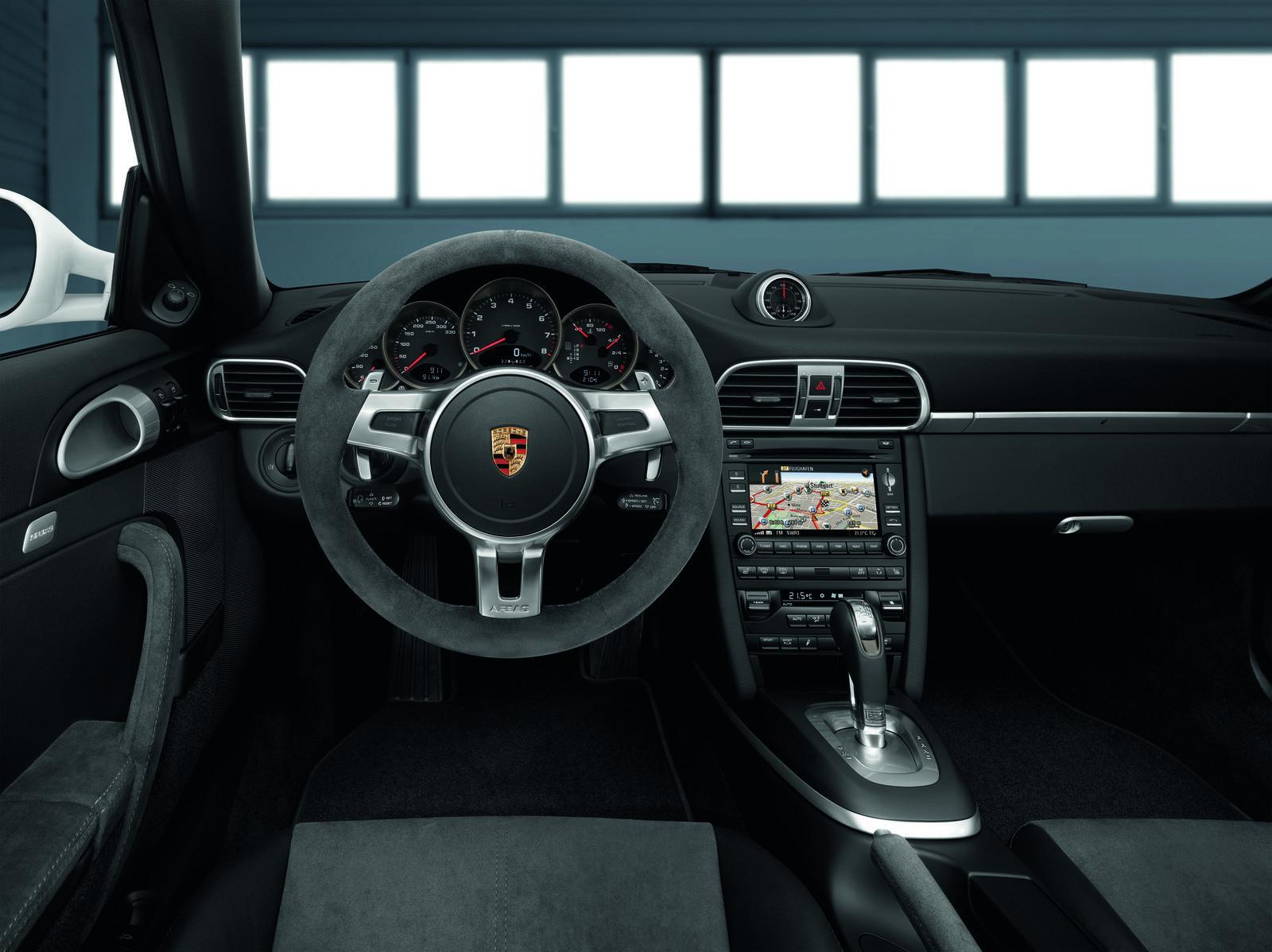 2011 porsche 911 carrera gts review new car used car for Porsche 911 interieur