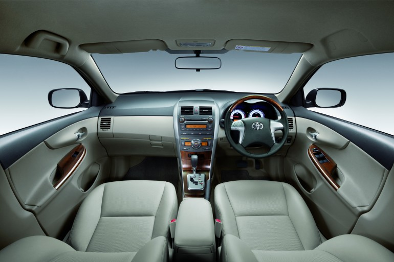 2011 toyota corolla altis spec photos new car used car reviews picture. Black Bedroom Furniture Sets. Home Design Ideas