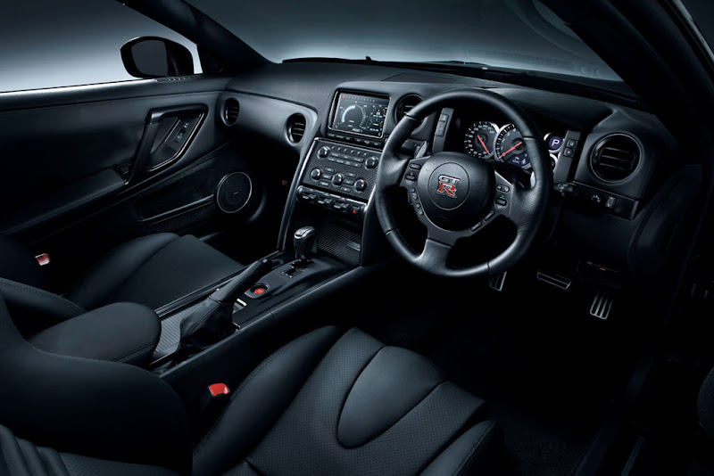 2012 New Nissan GT-R