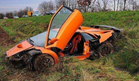 Car Crash : Lamborghini Diablo GT