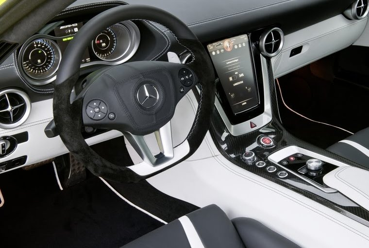 Mercedes SLS AMG E-Cell Interior