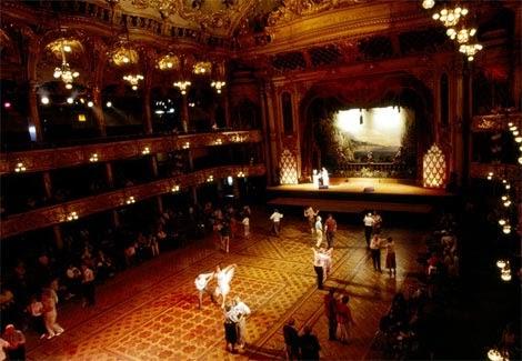 Bailes de sal n los 10 bailes for Battlefield 1 salon de baile