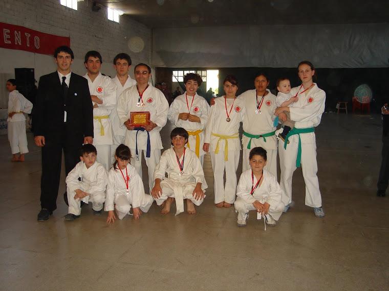 PRIMER TORNEO NACIONAL DE KARATE DO ITOSU KAI REALIZADO EN CARHUE  - OCTUBRE 2006