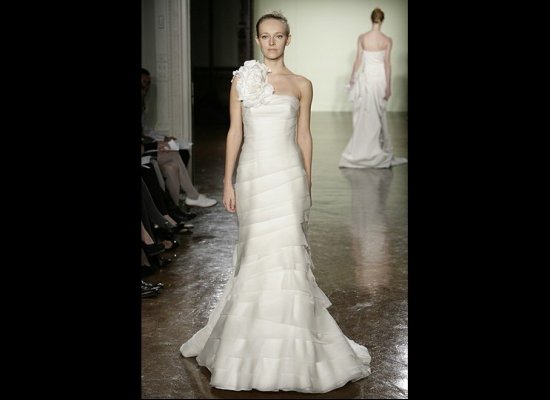 vera wang wedding dress. Vera Wang Calla Lily wedding