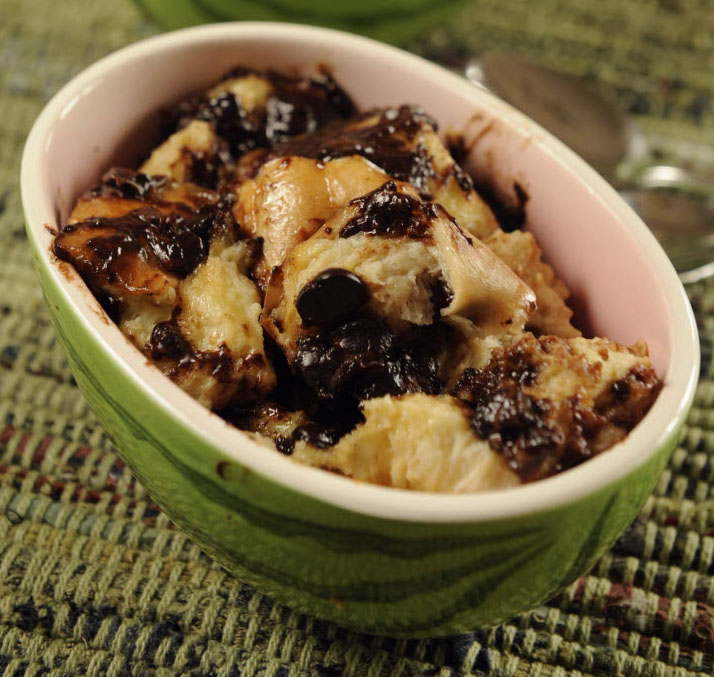 Dennys Food and Recipes: Chocolate Bread Pudding in a Slow Cooker
