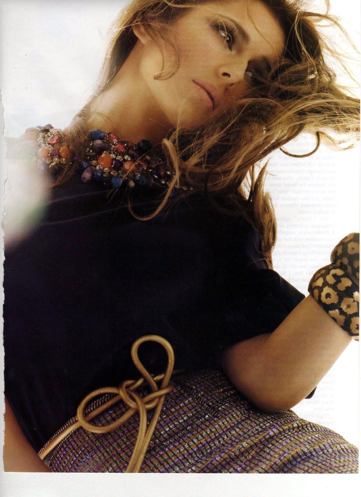 http://1.bp.blogspot.com/_1fFlqwR2_8E/S8xAgMlO7nI/AAAAAAAACXs/MX2b4Cw01T4/s1600/22968_Cheryl_Cole_Vogue-2_122_563lo.jpg