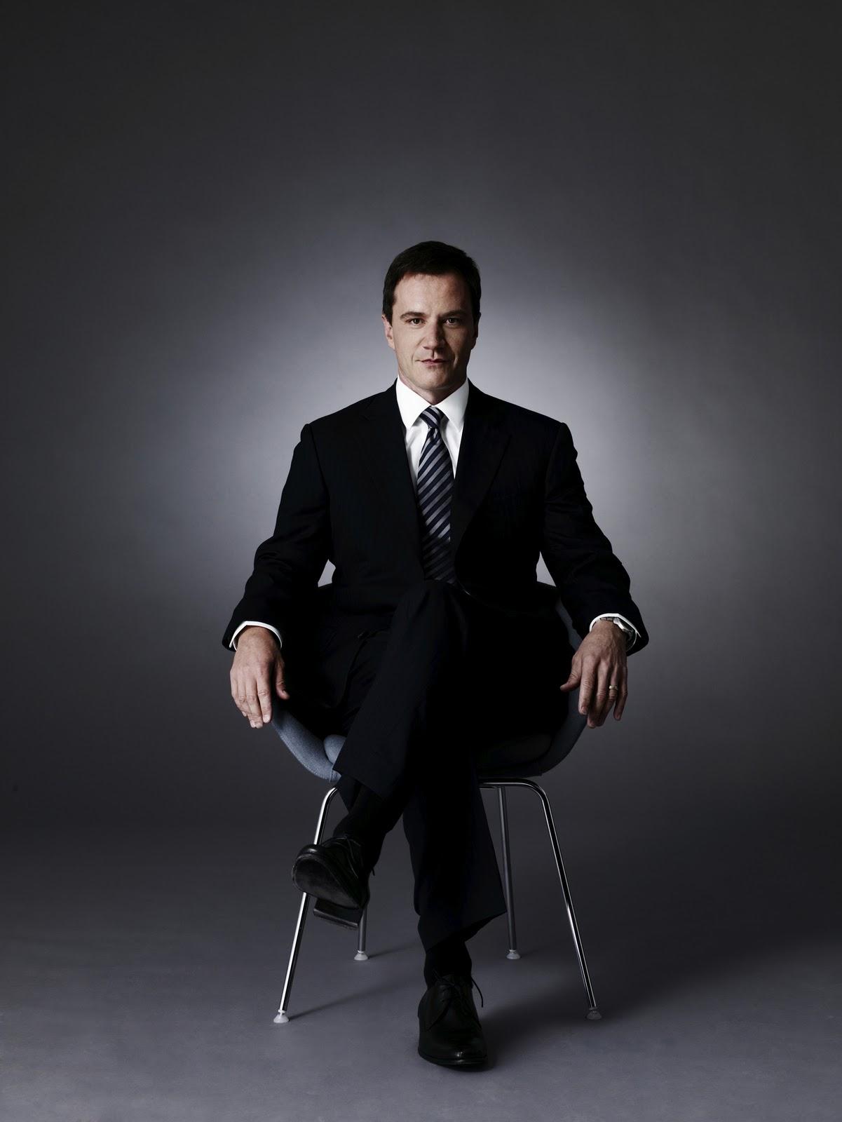 Tim DeKay Wallpapers este o nico homem capaz de prender Neal Caffrey