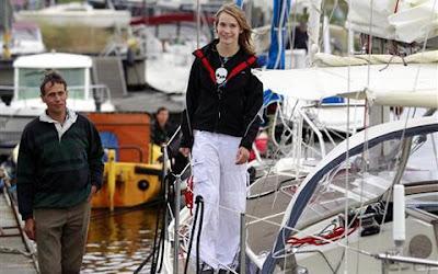 holandesa Laura Dekker da la vuelta al mundo en un Yate.