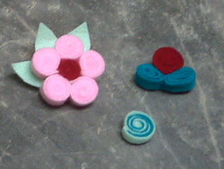 Handmade Twirl Felt Flower Tutorial by Role Playing Mom