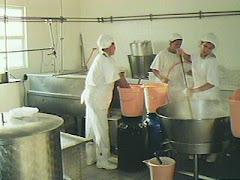 Pequeñas Fabricas de Dulce de Leche y Caramelos