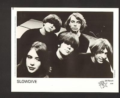 [Image: 729px-Slowdive_band.jpg]
