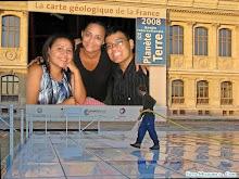 Eu, mamy e meu irmão Ismael Kennedy