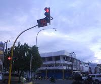 traffic light, lampu merah, hak dan kewajiban