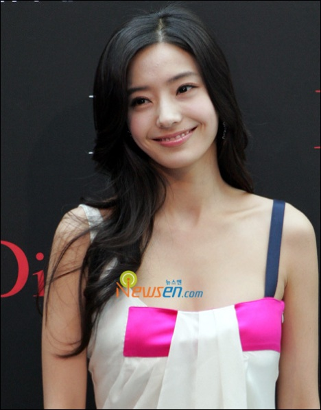 Beautiful Girl Korean Hairstyles, Long Hairstyle 2011, Hairstyle 2011, New Long Hairstyle 2011, Celebrity Long Hairstyles 2105
