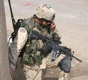 """PROGRAMA # 13 FMP: """"SCAR FUSIL DE ASALTO EJERCITO PERUANO """" (23 marzo 2010) 300px-US-_Solder"""