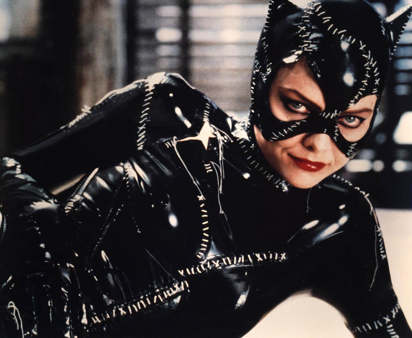 http://1.bp.blogspot.com/_1luLRXKoJM8/S9o5W941dmI/AAAAAAAAi_I/0i5j3HD2Jbs/s1600/catwoman.jpg
