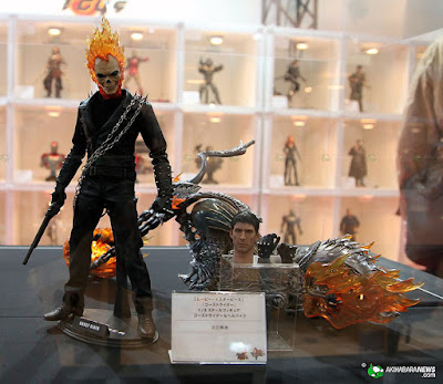 hot toys GHOST RIDER.  and BIKE! HTGR01s