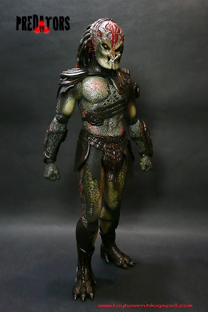 toyhaven hot toys berserker predator review 1