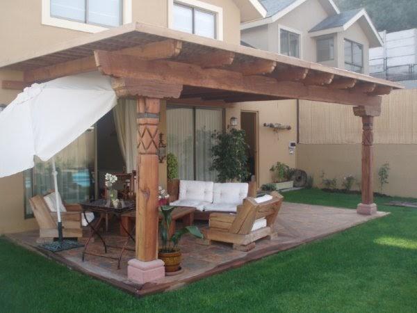 Muebles r sticos hassan terraza con piso de roble y for Pisos rusticos para terrazas