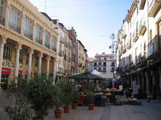 Barbastro centro comercial (Somontano, Huesca, Aragón, España)