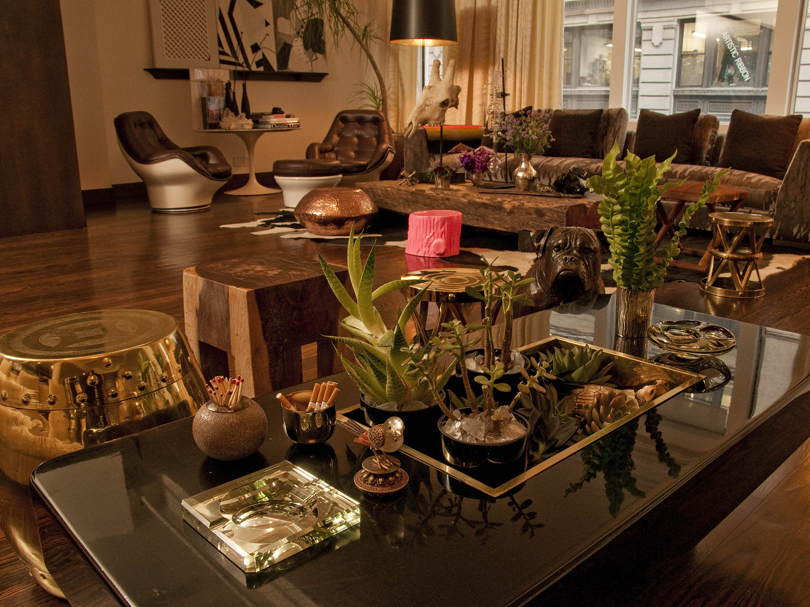 The north elevation spaces lauren santo domingo 39 s for Living room center table decoration ideas