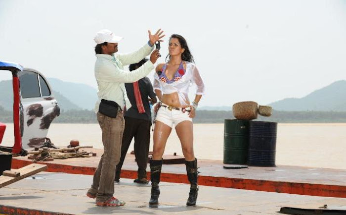 new puja hot images