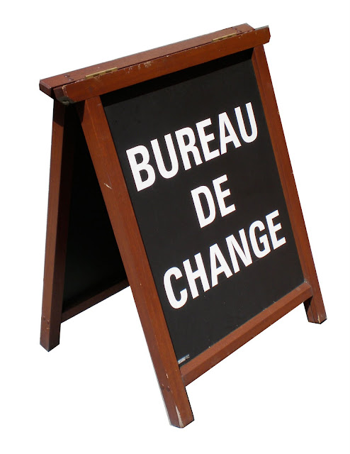 bureau de change sociale. Black Bedroom Furniture Sets. Home Design Ideas