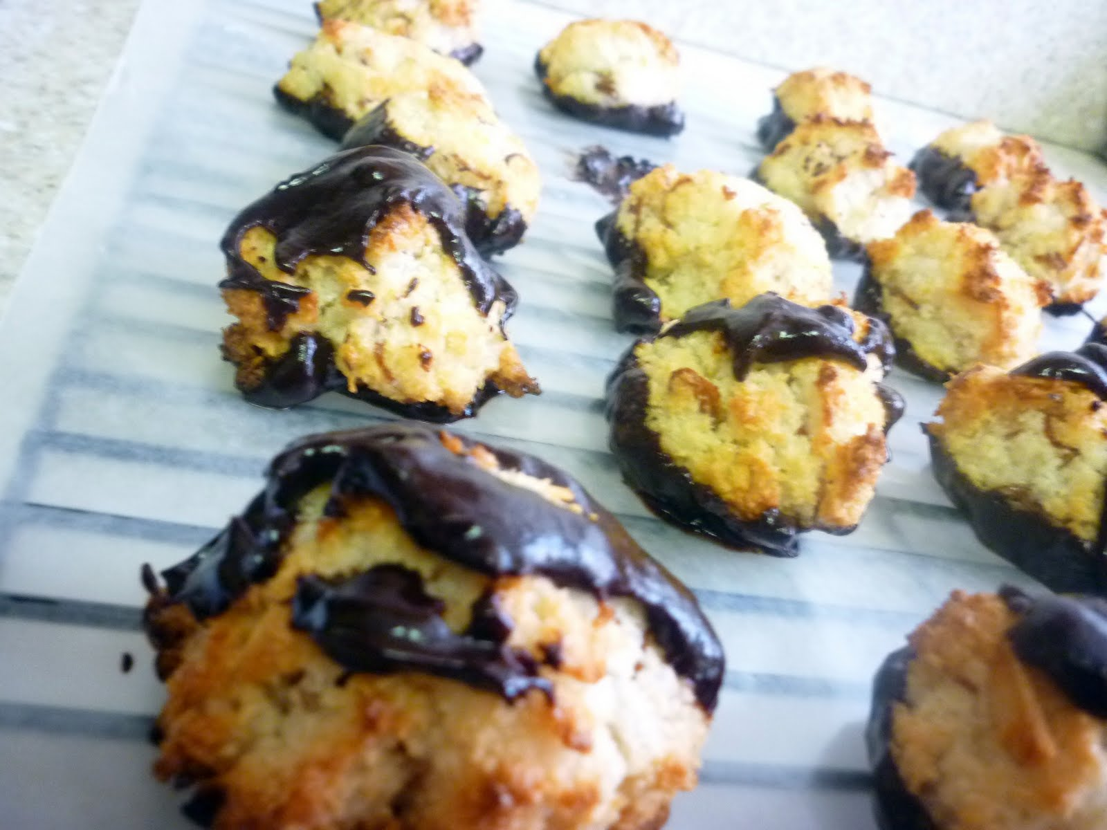 Cake Art Coconut Macaroons with Almonds and Chocolate ...
