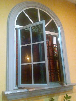 tingkap rumah apartment taman tasik utama