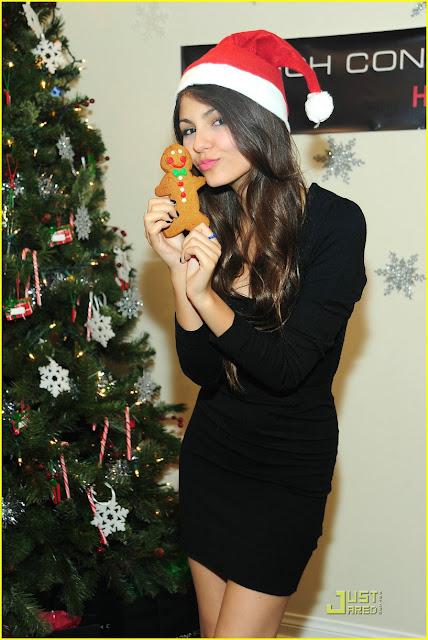 Victoria Justice Navidad