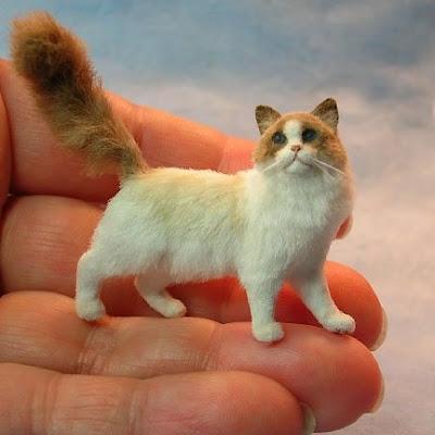 Real Mini Animals Peach Blossom Hill: Ke...