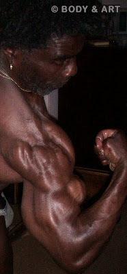 ROBBY ROBINSON IN 2010 BICEPS PEAKS AT 64 20 INCH ARMS RR'S SECRETS FOR FANS www.robbyrobinson.net/motivation.php