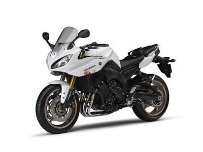 2011-Yamaha-Fazer-8-white