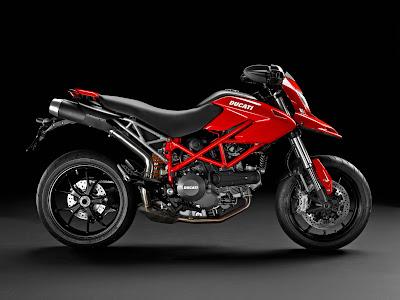 2011 Ducati Hypermotard 796 red
