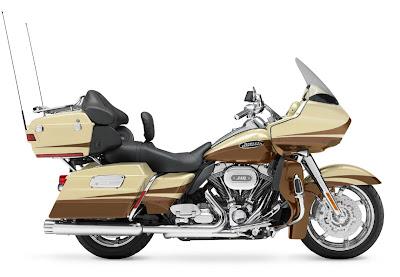 2011-Harley-Davidson-FLTRUSECVORoadGlide-Ultra