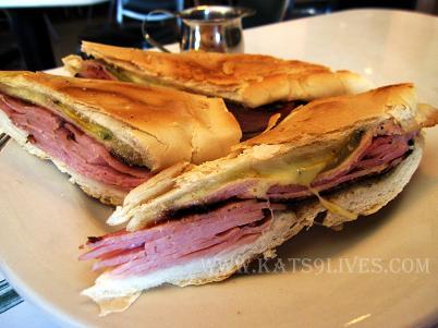http://1.bp.blogspot.com/_1wWTObAexYs/S7hr6LpeEGI/AAAAAAAAFjc/uXNMyCP353E/s1600/cafe+versailles+special+cuban+sandwich.JPG