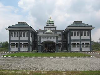 Gedung Fakultas Teknik Sains dan teknologi UIN Suska Pekanbaru Riau