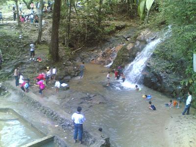 dabo singkep wisata alam air terjun batu ampar 6