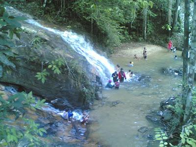 dabo singkep wisata alam air terjun batu ampar 8